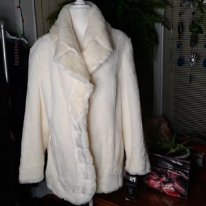 🆕️ NWT Pamela McCoy faux fur womens 1X coat